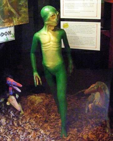Модель гипотетического динозавроида. Музей динозавров, Дорчестер (Англия)