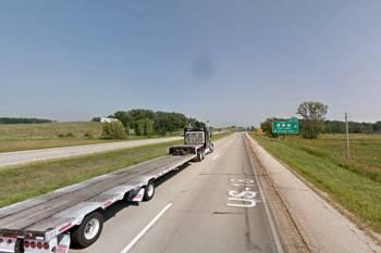 Прямоугольный НЛО завис над шоссе в Висконсине