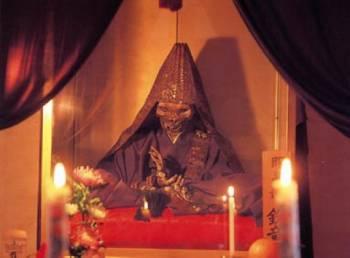 Ритуальные самоубийства
