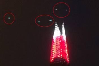 В центре Лондона очевидец сфотографировал группу НЛО