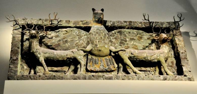 Загадка фигурок рептилий