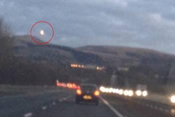 Видеорегистратор зафиксировал НЛО над оживленной автострадой в Шотланд