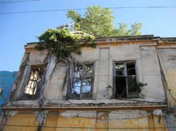 Заброшенное здание в городе Масатлан, Мексика.