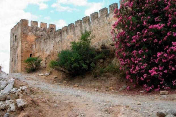 Франгокастелло на острове Крит