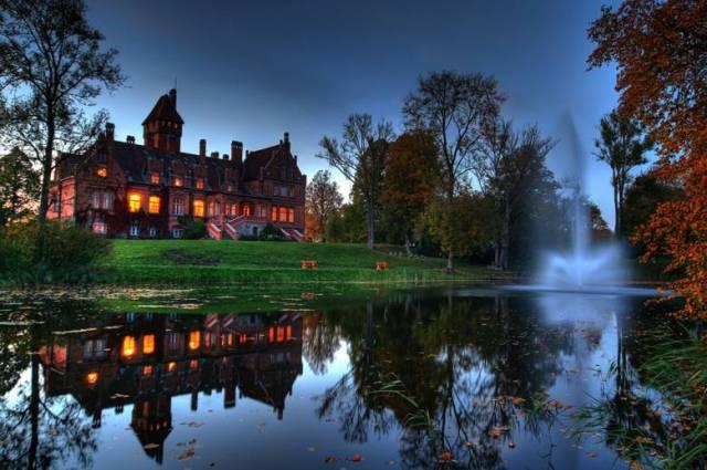 Яунмокский замок и его привидение