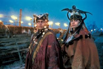 Финские женщины в костюмах древних колдуний