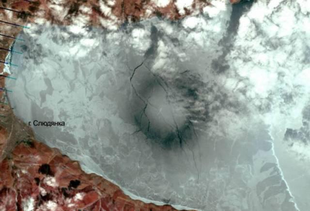 Кольцо на льду от 20 апреля 2009 года