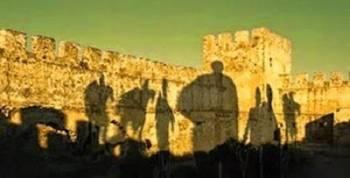 Призрачные воины старинного замка Франгокастелло на острове Крит
