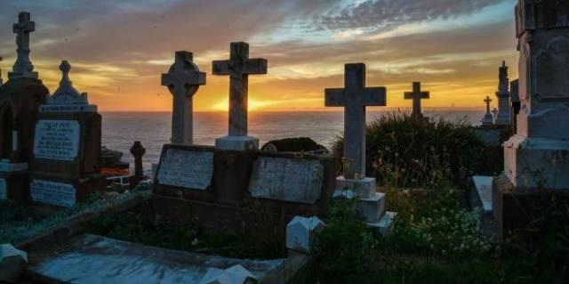 В какой день недели чаще всего умирают
