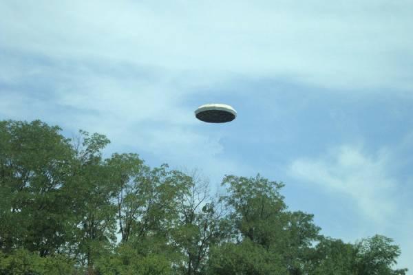 НЛО бывают не только в форме тарелки, но и овальными