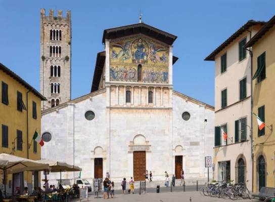 Базилика Сан-Фредиано в Лукке (Италия)