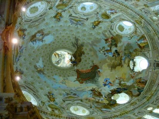 Купол в санктуарие святой Девы Марии в Викофорте.