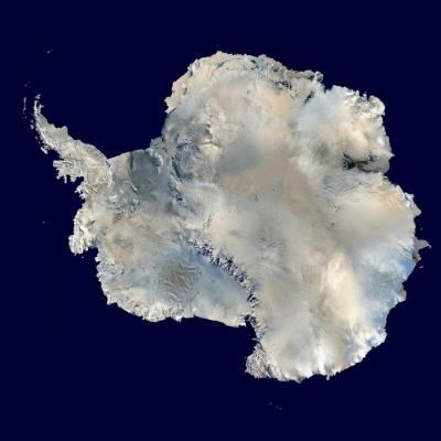 Антарктида со спутника. Фото: NASA