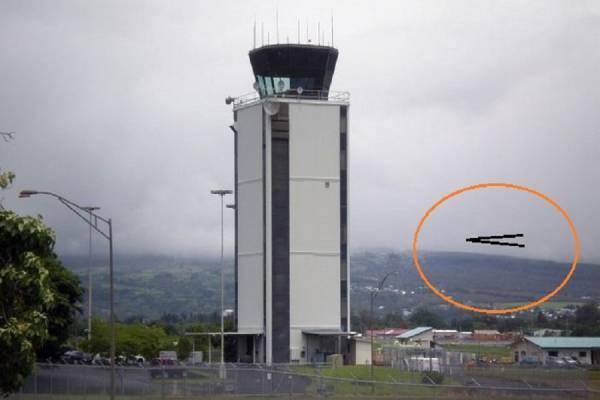 V-образный НЛО замечен над Финиксом